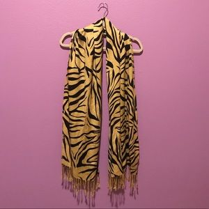 Accessories - Tiger print scarf
